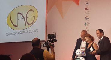 VAG Confecções recebe seu 8º troféu de melhor fabricante de cortinas para hotéis